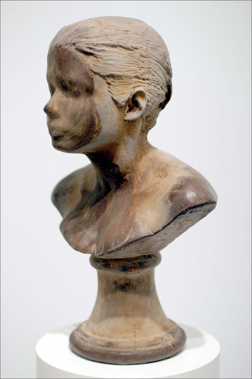 lick-and-lather-sculpture-chocolate Janine Antoni
